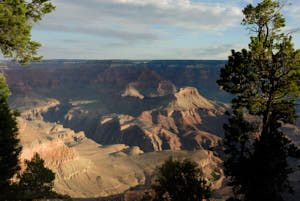 grand canyon<br>NIKON D200, Focale 20 mm, 100 ISO, Vitesse : 1/125 sec, Ouverture f : 8